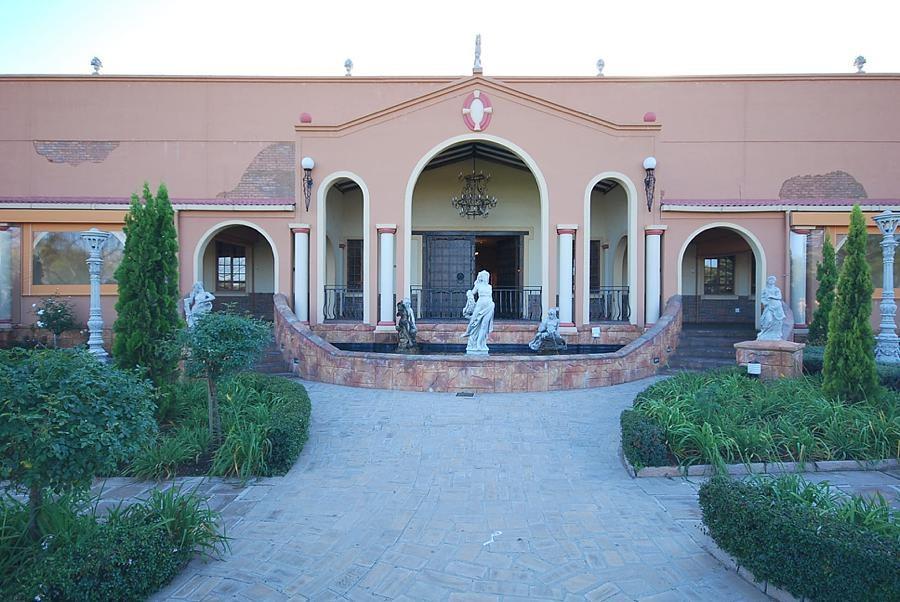 Villa Tuscana Wedding Village
