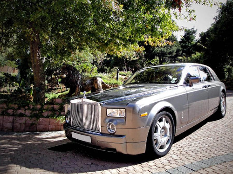 Status Luxury Vehicles - Cape Town Wedding Car Hire