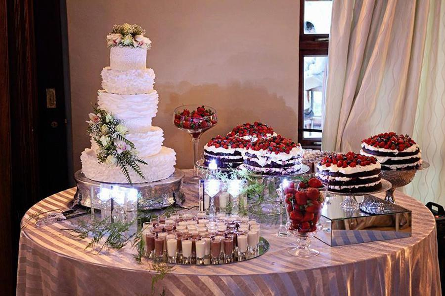 Corli 39 s kitchen pretoria wedding cakes desserts for Kitchens pretoria
