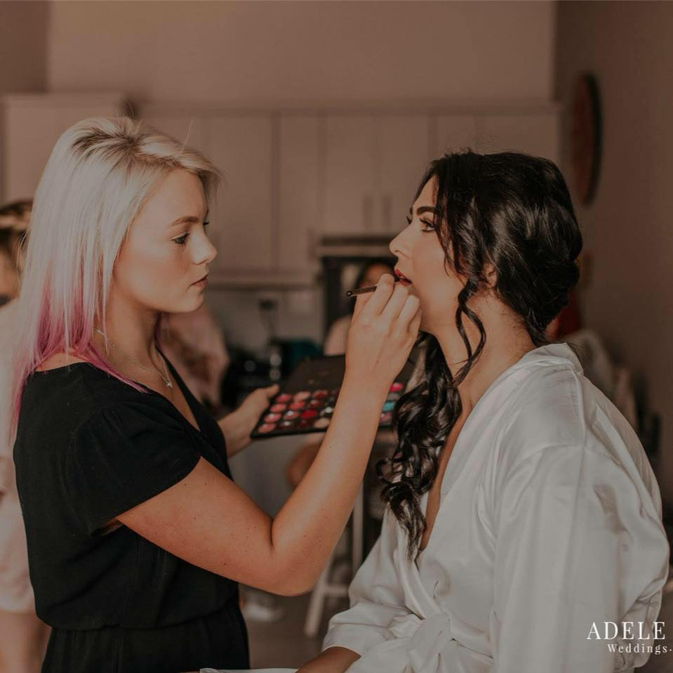 Nique on Fleek Professional Makeup Artist and Hairstylist