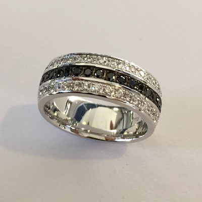 custom engagement rings different by design