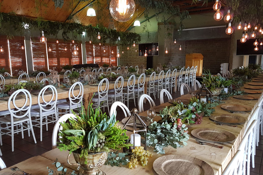 To-Nett's Flowers, Decor & Hiring