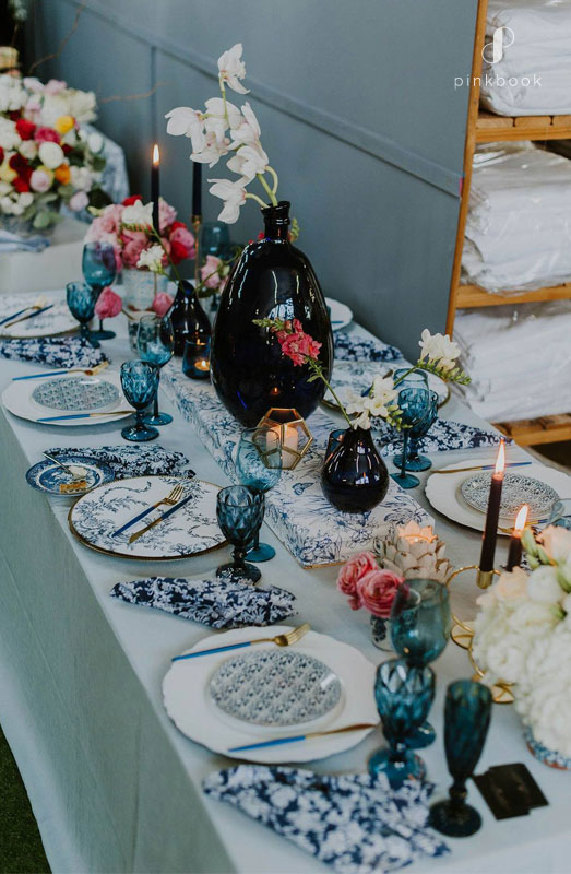 delf blue wedding decor