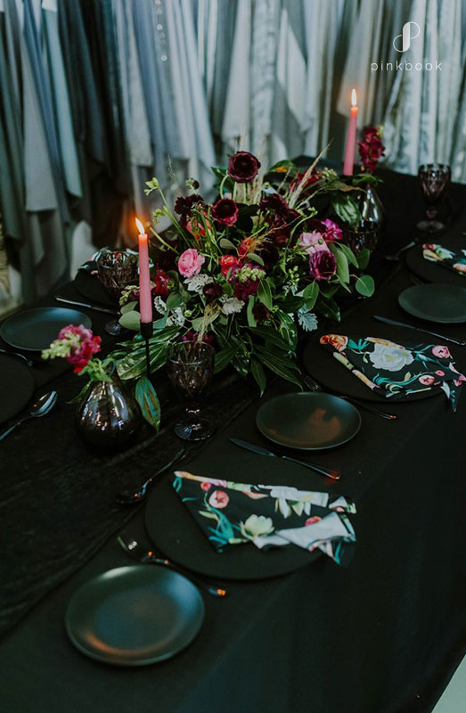 black wedding decoration ideas