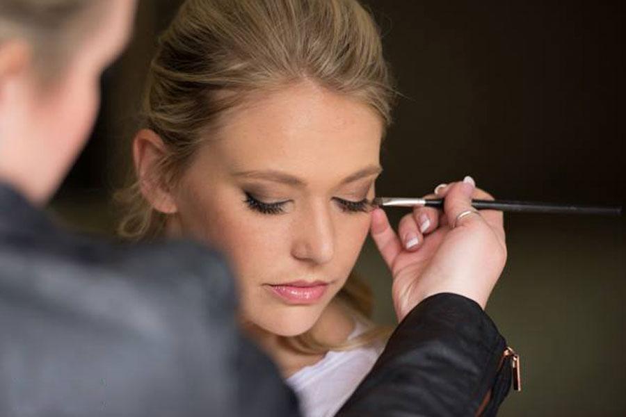 Make-Up Ready