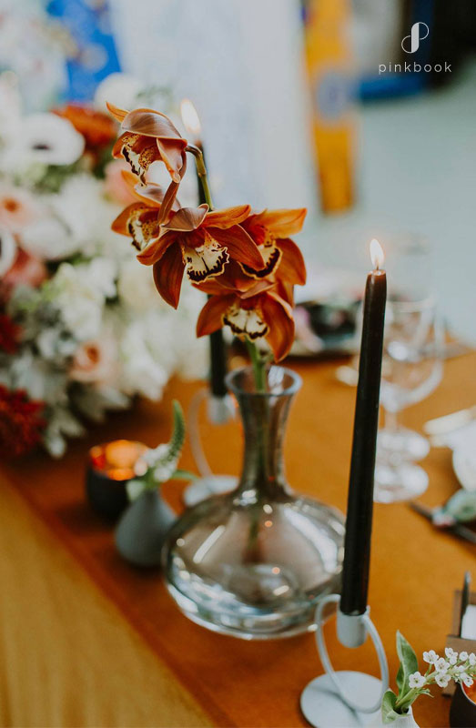 modern vintage wedding table decor