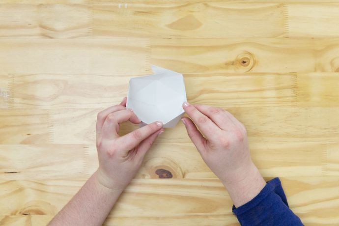 Origami Décor - How To Make a Paper Bowl