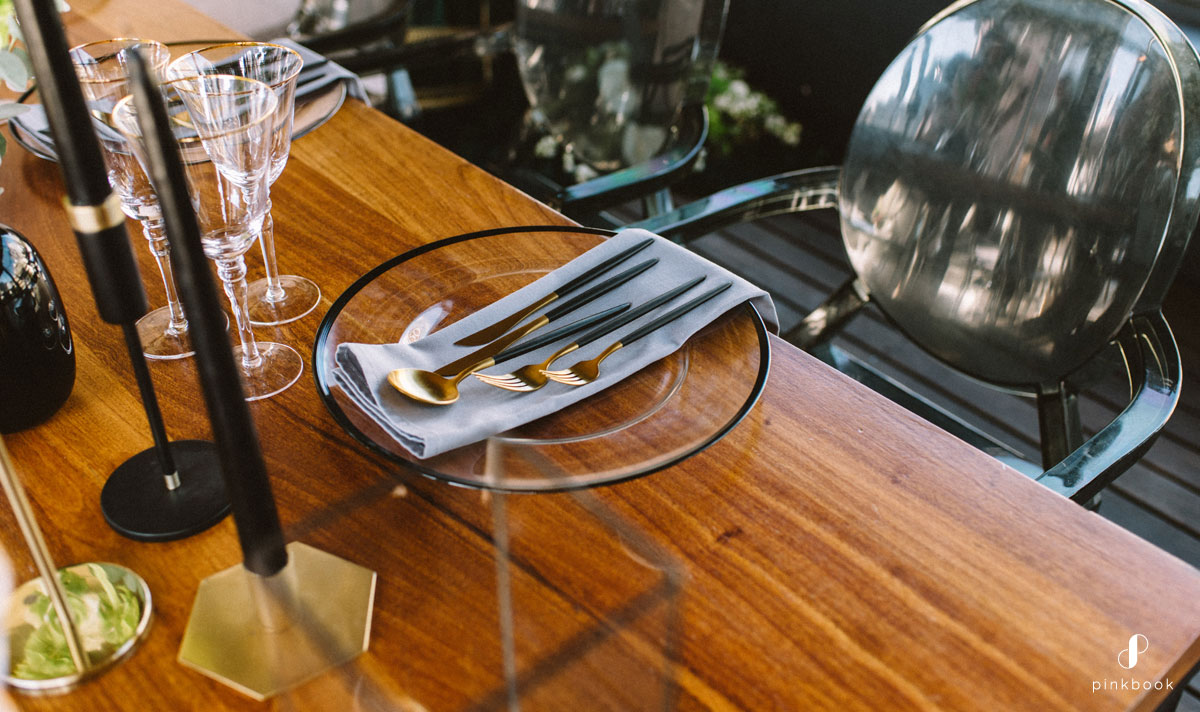 black and gold cutlery weddings