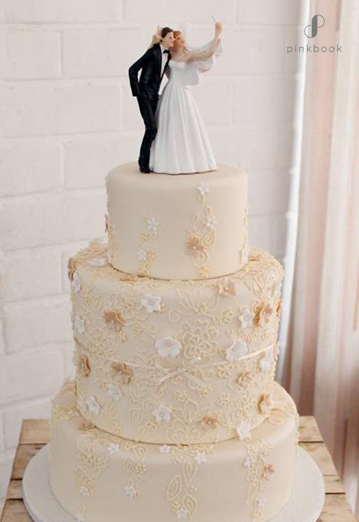 bride groom selfie cake topper