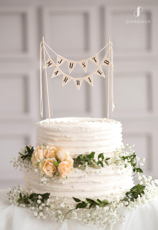 bunting just married cake topper