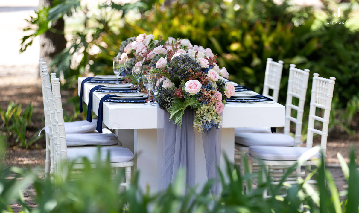 regal wedding table decor