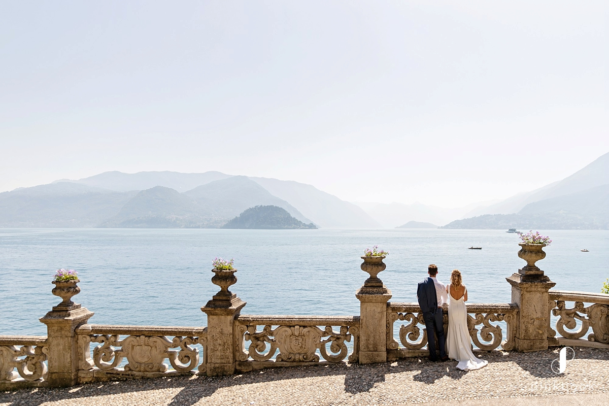 couple photos at lake como