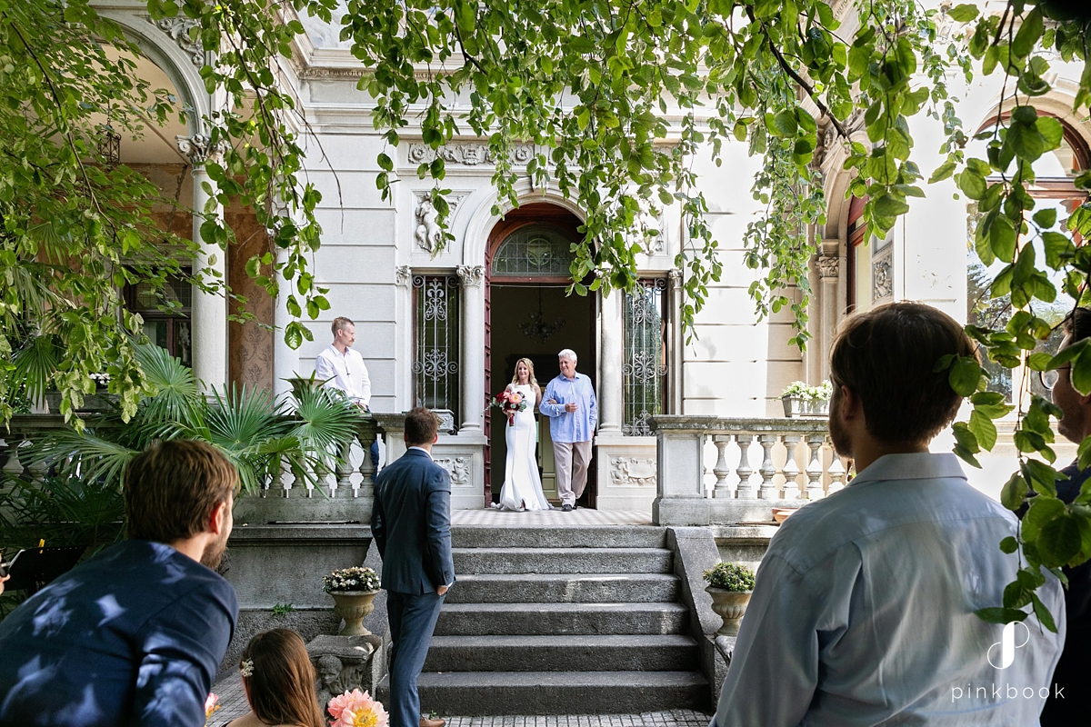 wedding ceremony in italian villa