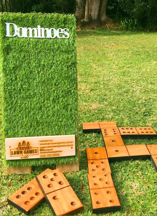 lawn games dominoes