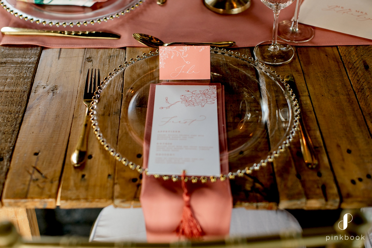 Coral Color Table Setting