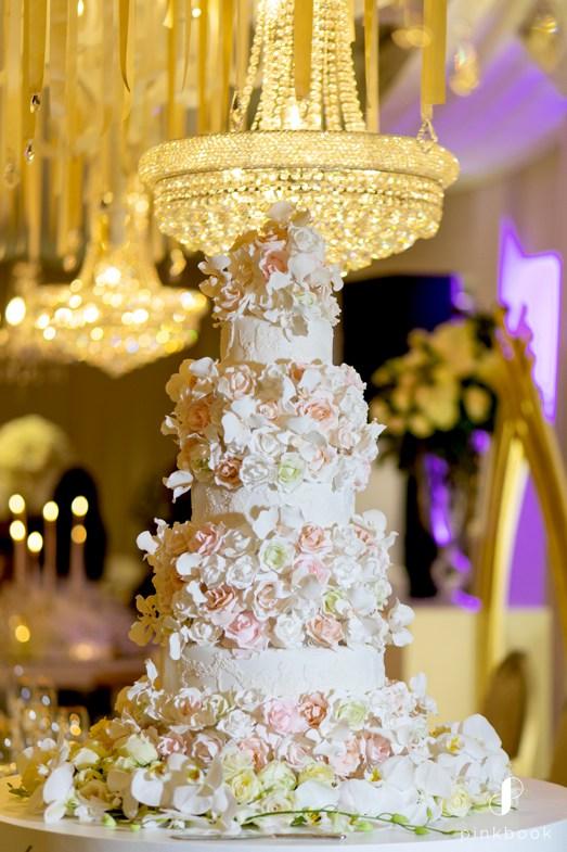 Wades Cakes Luxury Wedding Cake