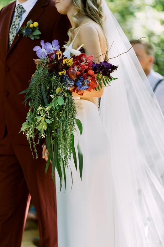 wedding couple flower bouquet