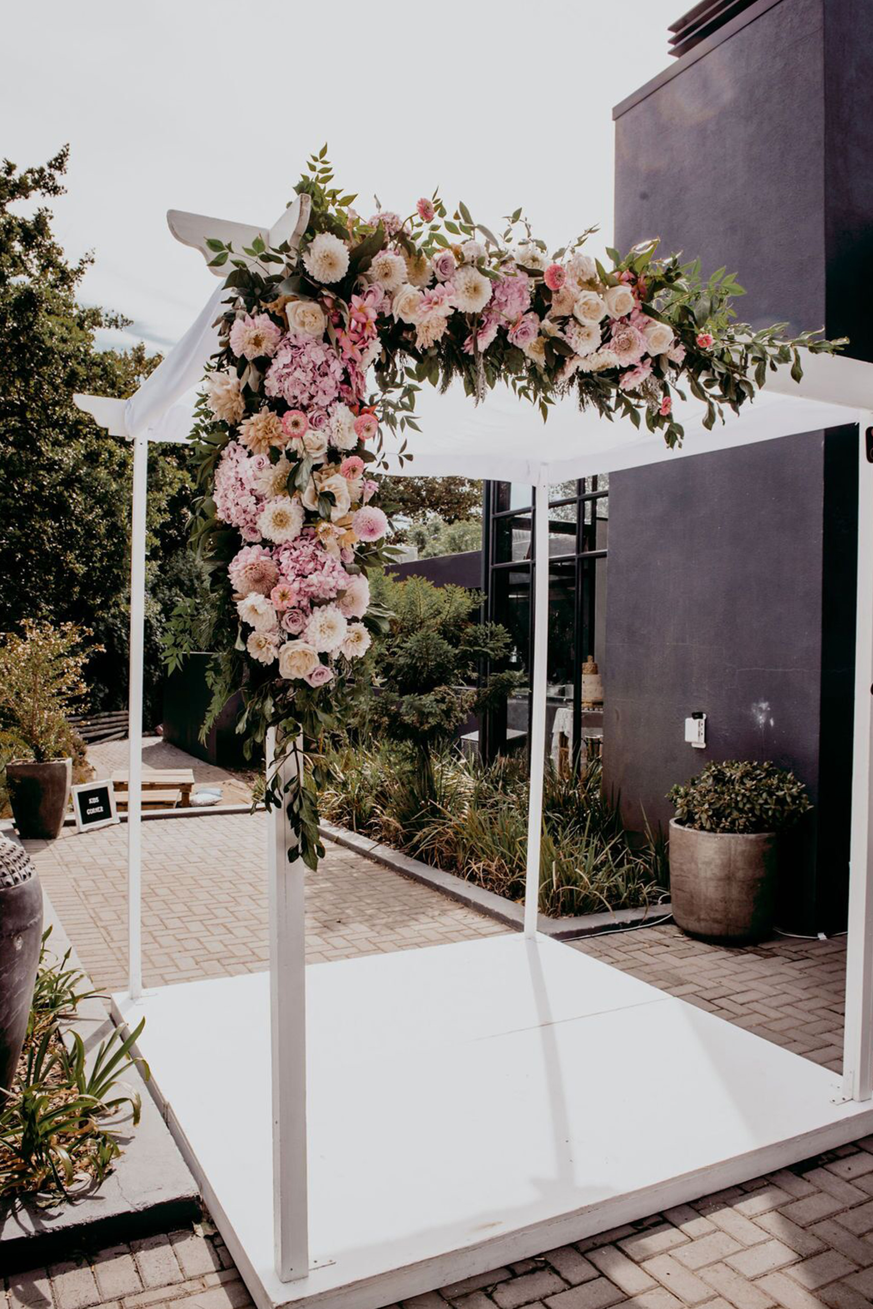 My Pretty Vintage Floral Design and Decor Hire - Flowers Cape Town
