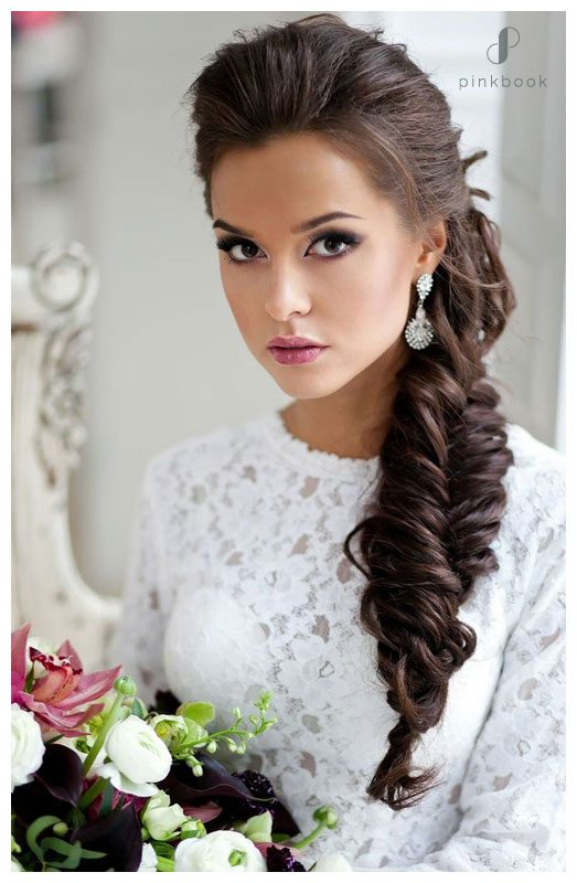 wedding hairdo side fishtail