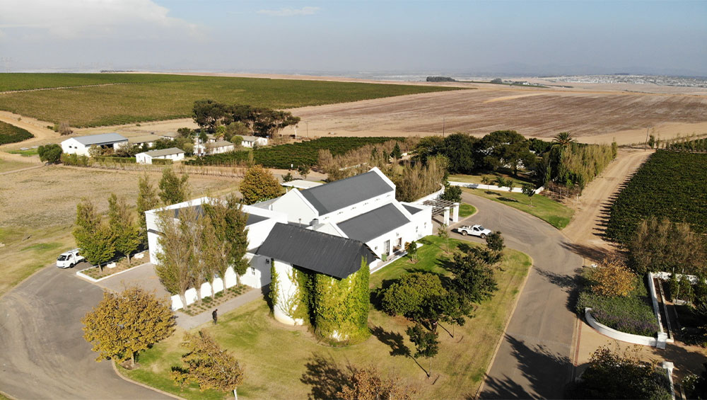 Loch Lynne Wine Estate