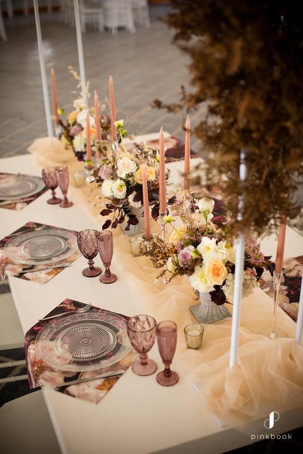 wedding-colour-themes-burgundy-2